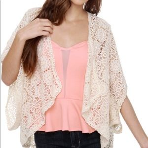 BB Dakota Solano Ivory Lace Short Kimono Size M